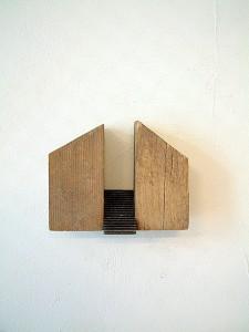 ARCHITECTURE-IV-1993-wood,-iron.-10,5-x-13-x-7-cm