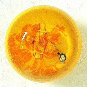 ATMOSFERA CITRICA V 2002 Resina de poliester collage 14 x 14 x 14 cm-001