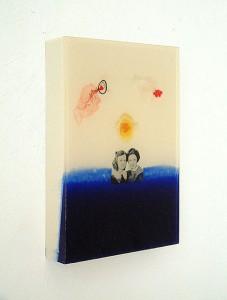 COUPLE IN BLOCKSCAPE 1997 Resina de poliester y collage 18 x 28 x 4 cm