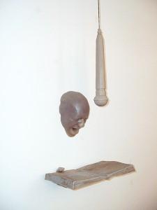 DIFUSOR-UNIVERSAL-(detalle)-1999-Resina-de-poliester-240-x-35-x-22-cm