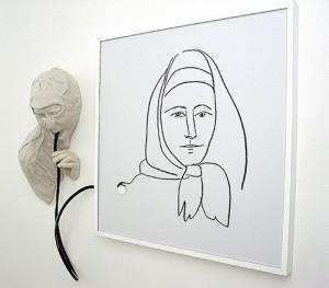 GLUP-DE-FEMME-ESPAGNOLE-2006-Resina-de-poliester-e-imagen-digital--90-x-110-x-18-cm