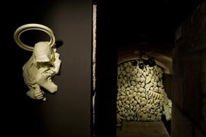 HARTOSANTO 2007 Resina de poliester fotoluminiscente 74 x 46 x 27 cm