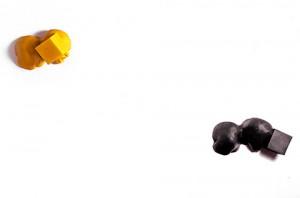 LOS-AMIGOS-DE-LA-LUNA-2002-Resina-de-poliester-Medidas-variables