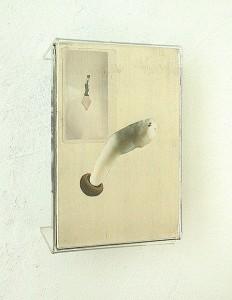 METHACRYLATE-XIV-1995-Plastico-estano-collage-14-x-21-x-4-cm