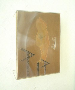 METHACRYLATE XVI 1995 Plastico leche collage 21 x 29 x 6 cm