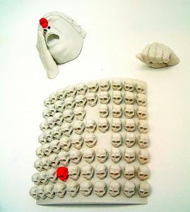 RED-CLOWN-2004-Resina-de-poliester-97-x-48-x-17-cm