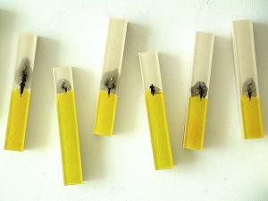 RUNNERS-2011-Resina-de-poliester-collage-25-x-100-x-6-cm