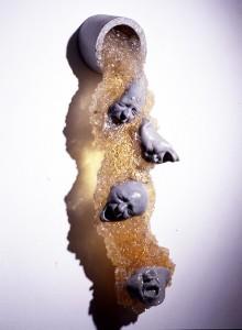 VERTIDO-2000-Resina-de-poliester-19O-x-38-x-29-cm