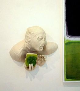 GREEN BLACK GLUP (detalle) 2006 Resina de poliester e imagen digital  102 x 175 x 20 cm